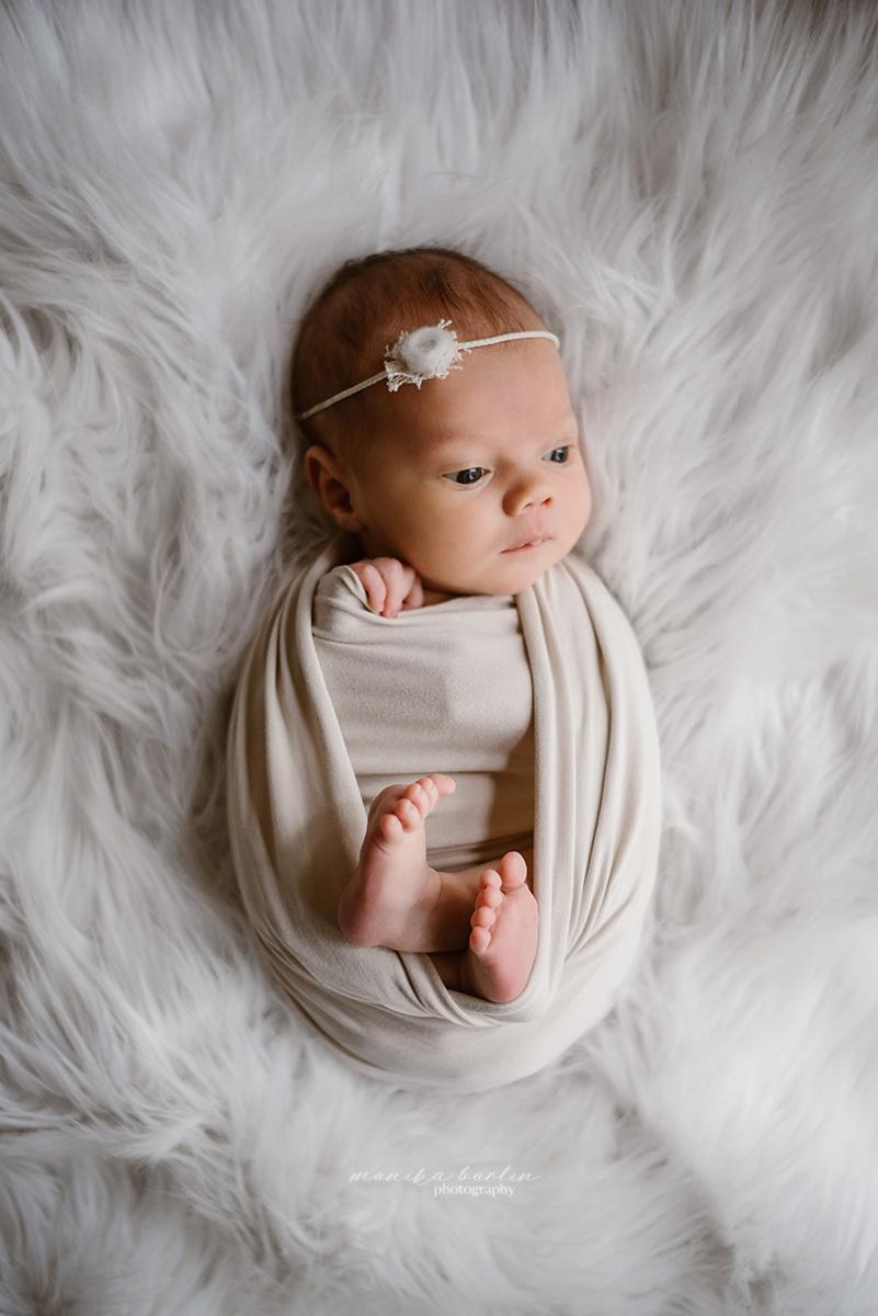 sesja noworodkowa w domu lifestyle warszawa monika borlin sesja niemowlęca domowa